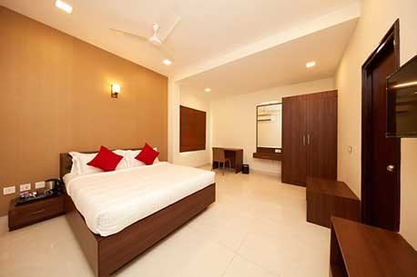 Set Amidst The Bustling Residential And Retail Neighborhoods Of Chennai On Scenic East Coast Road Ecr As Porly Known R Residences Offers Fully